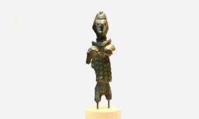 Bronzetto di arciere da località sconosciuta del Sulcis